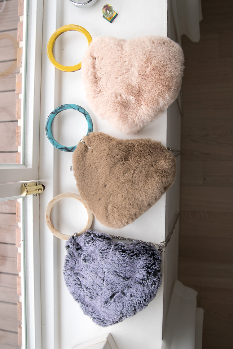 fur,heart ring bag